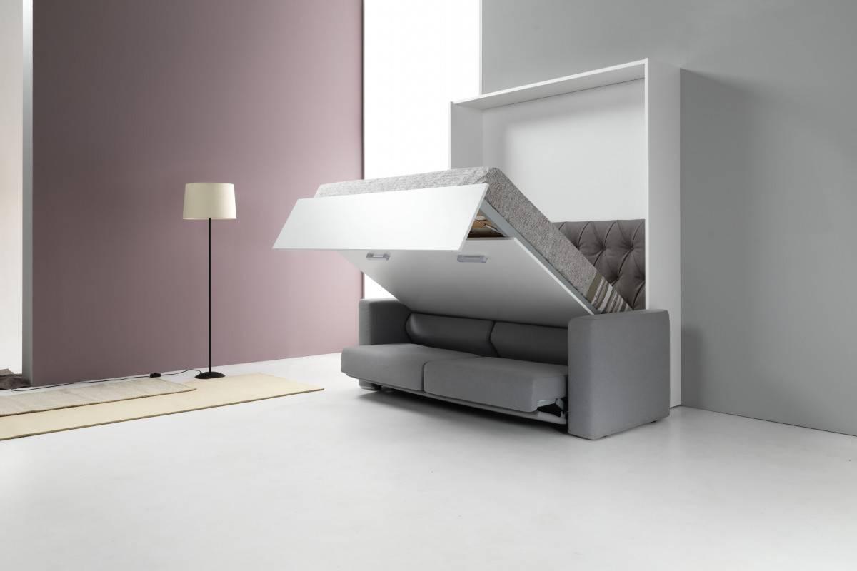 Kako umestiti posteljo in zofo v majhnem prostoru? Rešitev je postelja v omari z zofo!